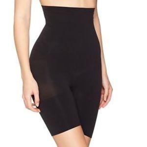 SPANX High Waisted Tummy Control Black Shorts Sz:L